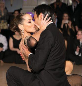 tango dancers kissing at the end of a show