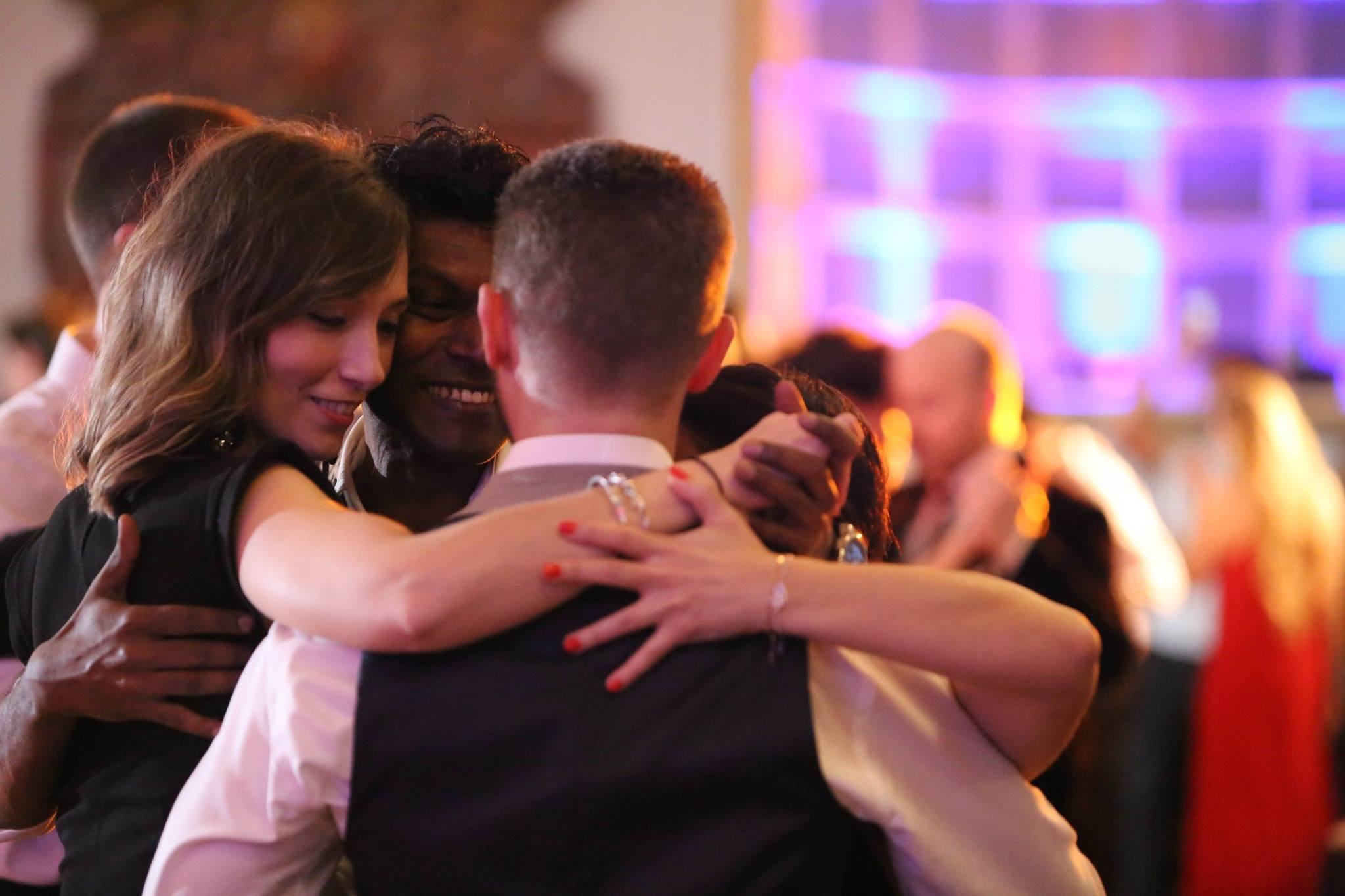 Forging lasting tango friendships