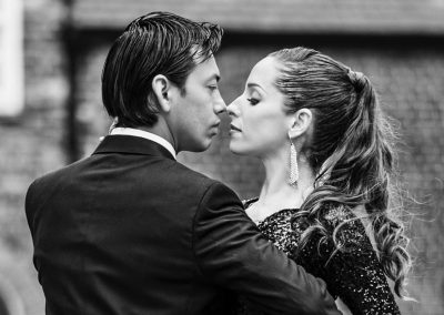 tango dancers face to face