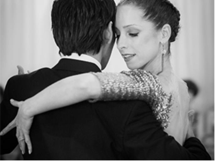 tango dancers David & Kim enjoying a dance